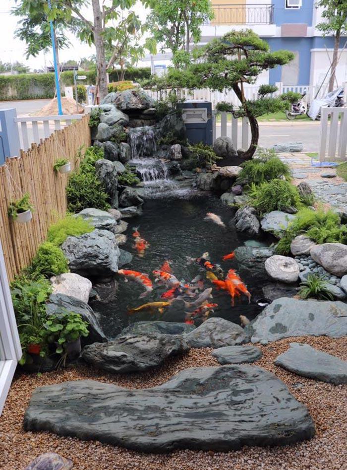 Hồ cá koi sân vườn đẹp 3