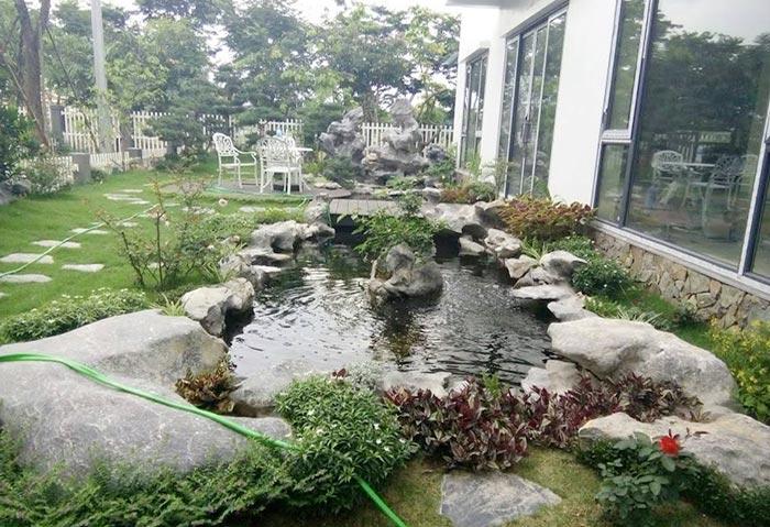 Hồ cá koi sân vườn đẹp 9